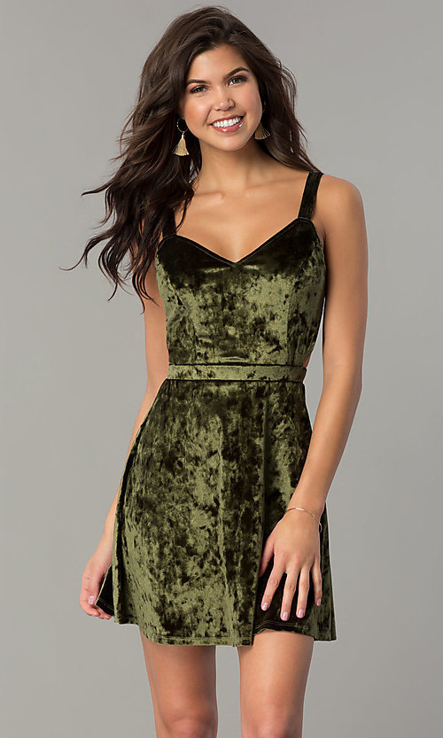 Image of short v-neck velvet holiday party dress Style: RO-R67279 Detail Image 3