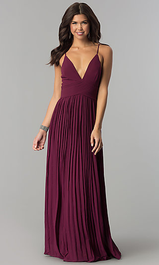 Cocktail dress for prom night with sleeves