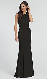 Image of simple long bridesmaid dress with train. Style: KL-200019 Detail Image 2