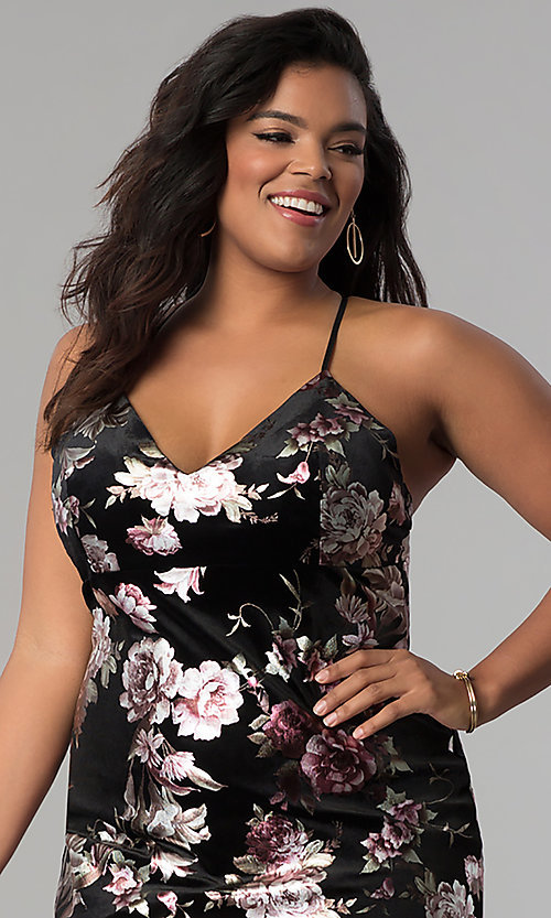 Image of short velvet plus-size party dress with floral print. Style: KIM-D2314B Detail Image 1