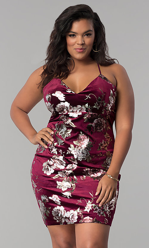 Image of short velvet plus-size party dress with floral print. Style: KIM-D2314B Detail Image 2