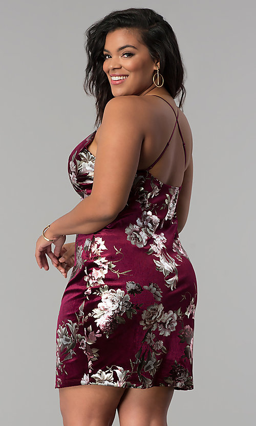 Image of short velvet plus-size party dress with floral print. Style: KIM-D2314B Detail Image 3