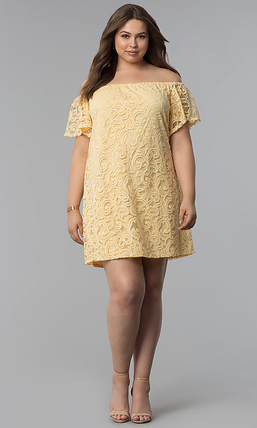 Image of shift off-shoulder plus-size short lace party dress. Style: JU-TI-T91056 Detail Image 3