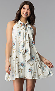 Image of floral-print high-neck short casual shift dress. Style: VJ-LD42044 Detail Image 3