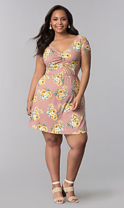 Image of v-neck plus-size floral-print casual dress. Style: AS-A692701D27X Detail Image 2