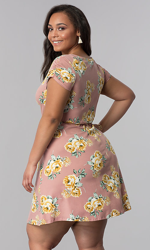 Image of v-neck plus-size floral-print casual dress. Style: AS-A692701D27X Back Image