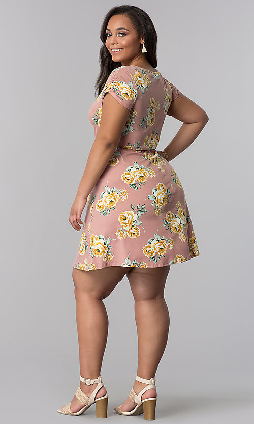 Image of v-neck plus-size floral-print casual dress. Style: AS-A692701D27X Detail Image 3