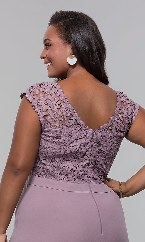 Image of plus-size long navy blue v-neck prom dress. Style: SOI-PM40040 Detail Image 7
