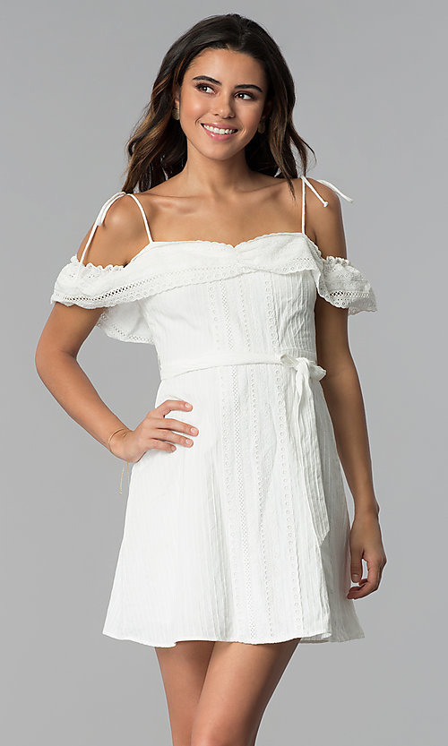 f1392dc1a3d6 Image of short white ruffled off-the-shoulder party dress. Style  STO
