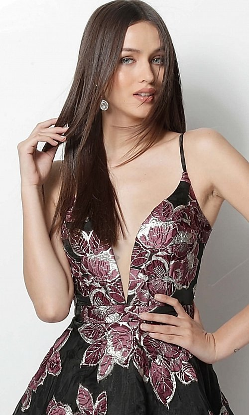 Image of black short print homecoming dress by Jovani. Style: JO-64090 Detail Image 1