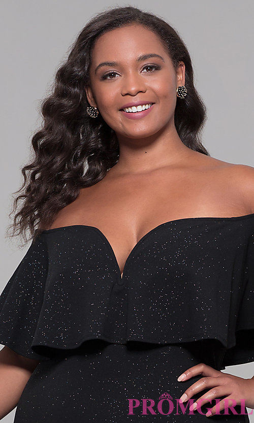 Image of holiday party short plus-size off-the-shoulder dress. Style: SY-IXD6079AP Detail Image 1