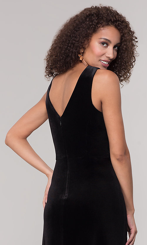 Image of long black velvet winter formal dress. Style: MO-21467 Detail Image 2