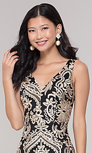 Image of sleeveless short print holiday party dress. Style: SOI-S18553B65 Detail Image 1