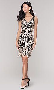 Image of sleeveless short print holiday party dress. Style: SOI-S18553B65 Detail Image 3