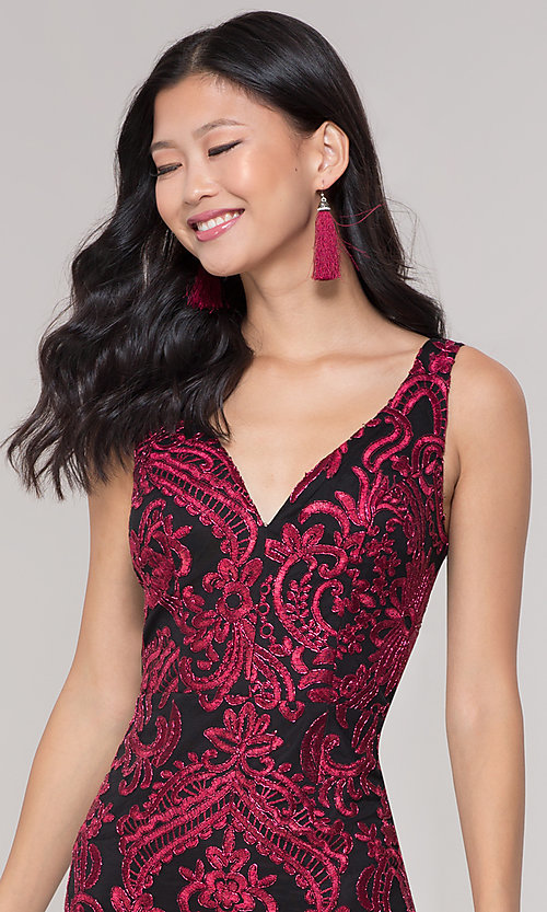 Image of sleeveless short print holiday party dress. Style: SOI-S18553B65 Detail Image 6