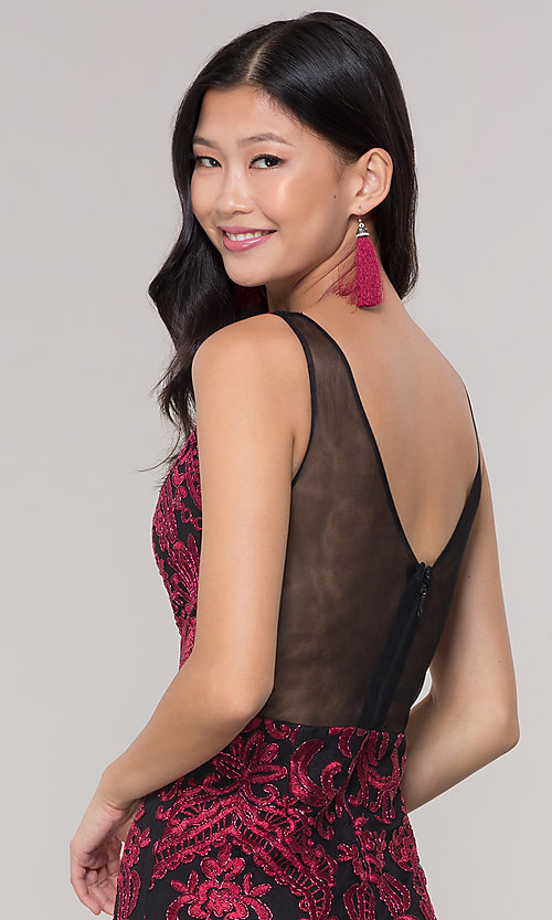 Image of sleeveless short print holiday party dress. Style: SOI-S18553B65 Detail Image 7