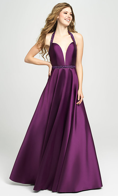 Image of v-neck halter formal prom dress with back cut out. Style: NM-19-171 Detail Image 3