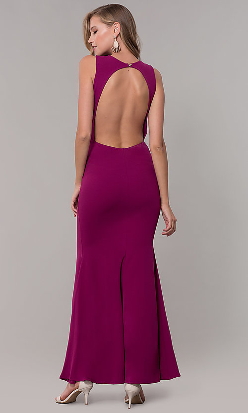 Image of fitted long formal v-neck open-back dress. Style: CL-46933 Detail Image 6