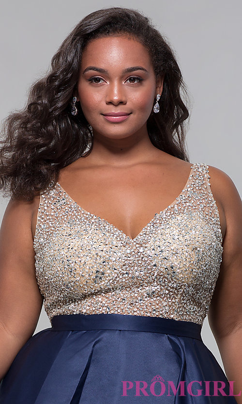 Image of homecoming plus-size v-neck short a-line dress. Style: DQ-3092P Detail Image 1