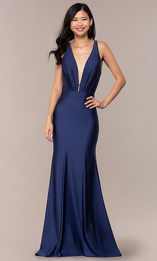 Image of long vintage-inspired v-neck prom dress by PromGirl. Style: BL-PL-19301 Detail Image 3