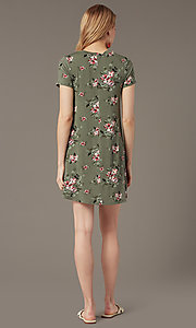 Image of short shift floral-print casual party dress. Style: SS-JA35951F174 Back Image