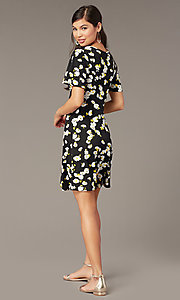 Image of short casual floral-print party dress with sleeves. Style: EM-HJO-4175-039 Back Image