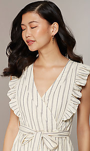 Style: CHE-D16026CUY Detail Image 1