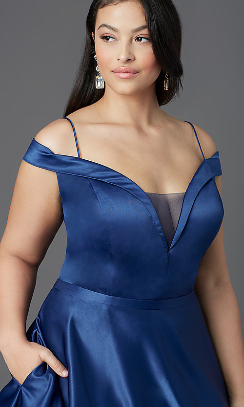 Image of long navy blue plus-size prom dress by PromGirl. Style: SC-PL-PG-2002 Detail Image 1