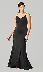 Image of long formal bridesmaid dress for prom. Style: KL-200191 Detail Image 1