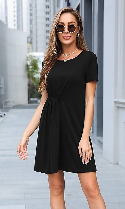 Image of short simple short sleeve casual dress. Style: LAS-MVT-21-XHAM2273A Detail Image 4