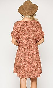 Image of short sleeve print casual dress with pockets. Style: LAS-GIG-21-TC1738 Detail Image 4