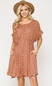 Image of short sleeve print casual dress with pockets. Style: LAS-GIG-21-TC1738 Detail Image 5