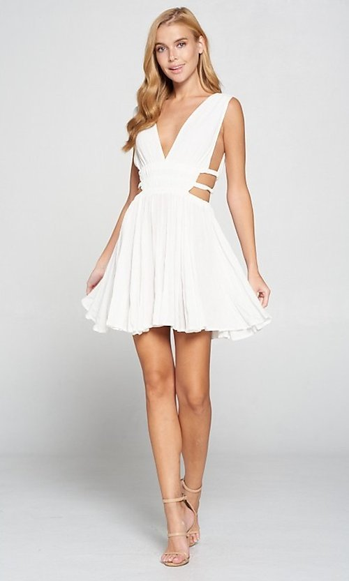 Image of cut-out short low v-neck casual summer dress. Style: LAS-LOV-21-MD1286 Detail Image 6