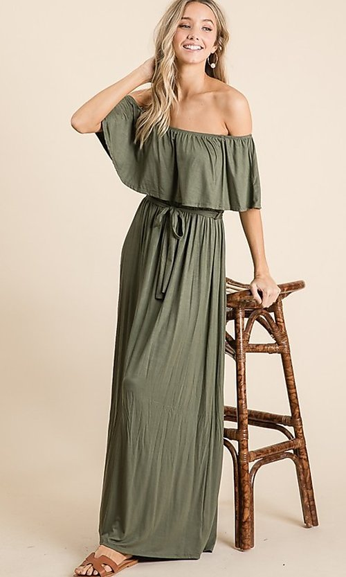 Image of off-the-shoulder popover casual maxi dress. Style: FG-OST-21-A67297-BX-CPR Detail Image 3