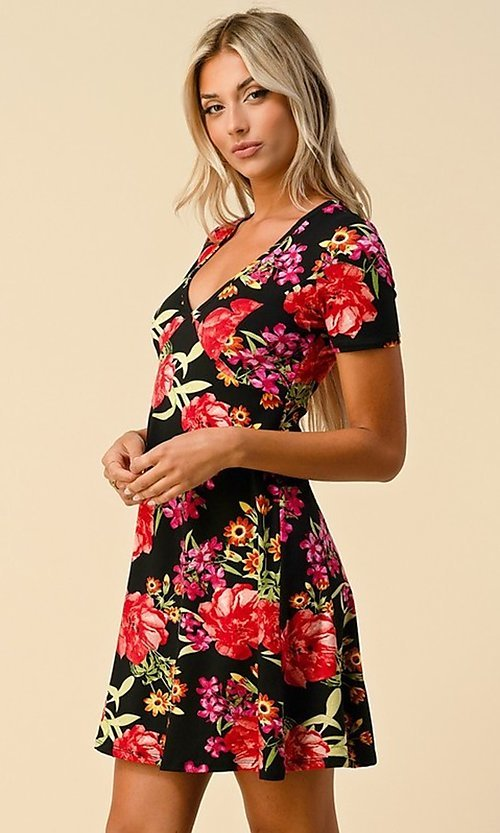 Image of short sleeve floral-print short casual party dress. Style: LAS-HAH-21-JD32907P Detail Image 5