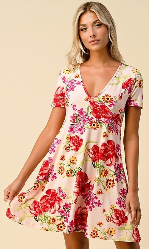 Image of short sleeve floral-print short casual party dress. Style: LAS-HAH-21-JD32907P Front Image