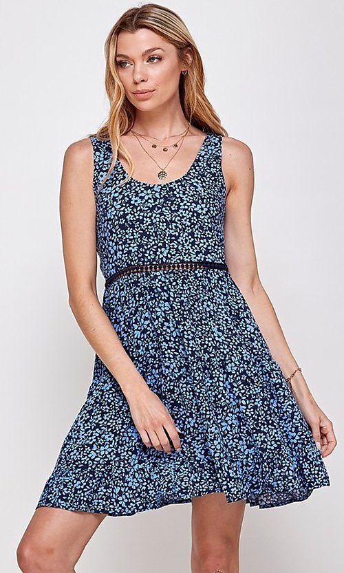 Image of navy blue floral short casual party dress. Style: FG-ECR-21-EDF18046NZ Detail Image 3