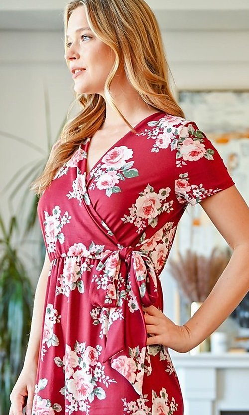 Image of casual short-sleeve red print short party dress. Style: FG-CLC-21-D63552WTCL Detail Image 1